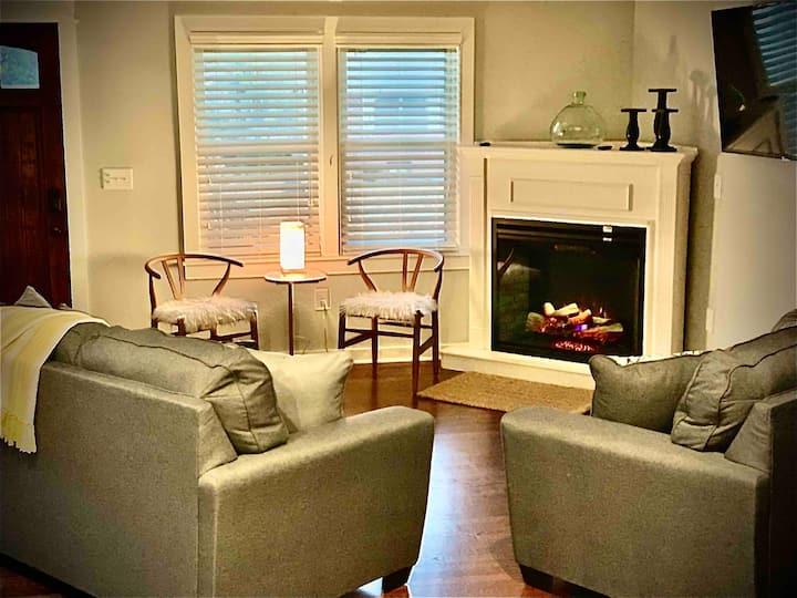 💙BluLux @ Truist Park...Lux Comfort & Location!