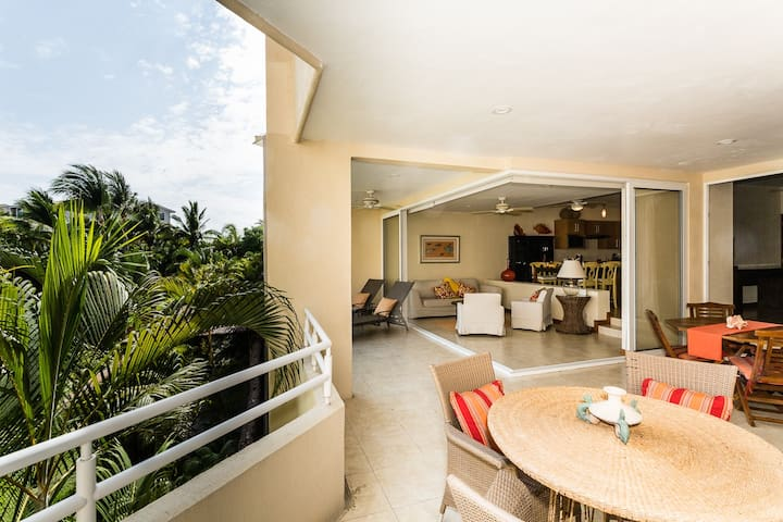 Incredible Ocean Views . Huge corner balcony. Pax4 - Punta de Mita - Apartamento