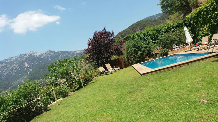 BUNYOLA PRIVATE VILLA, MOUNTAINS & NATURE - Bunyola - Hus