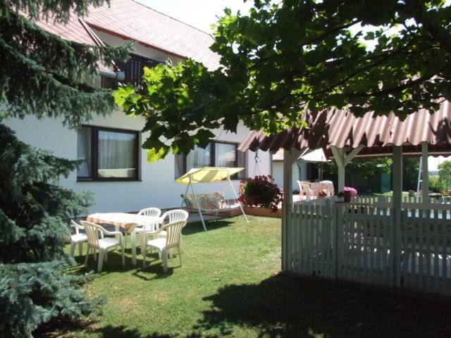 Cosy apartment for 4 people - Balatonlelle - Appartement