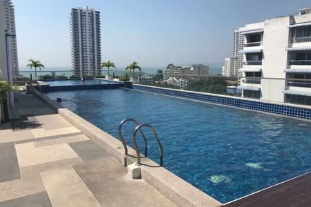 Laguna Bay Beach Apartment - luxury 2 sleeper