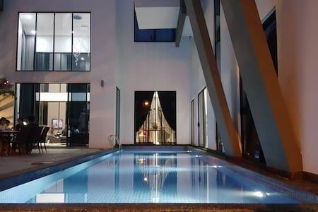 Hartamas Pool Villa@Hartamas Height - Kuala Lumpur