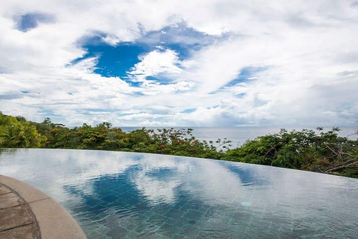 Spacious Villa + Private Infinity Pool | Gorgeous Ocean Views