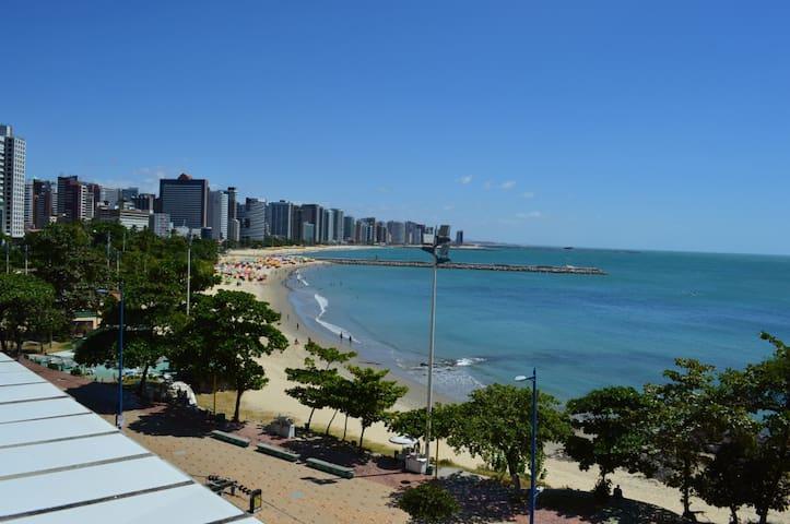 BM213 Linda suíte na Av Beira-Mar em Fortaleza