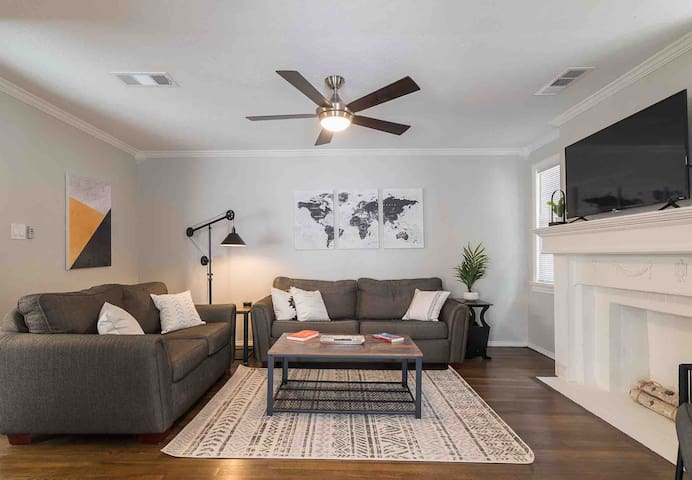 Extended Stay Cottage in Dallas + Air Purifier