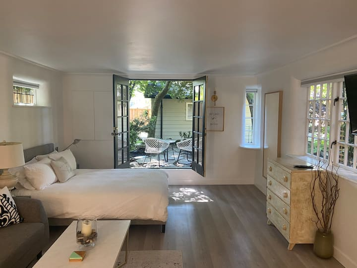 Brand New Suite in Central Lonsdale/Grand Blvd