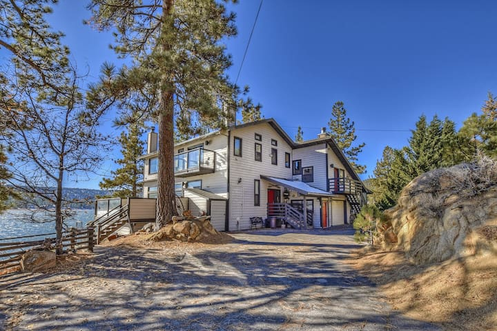 The Point: Gigantic Lakefront w/ Views Throughout!