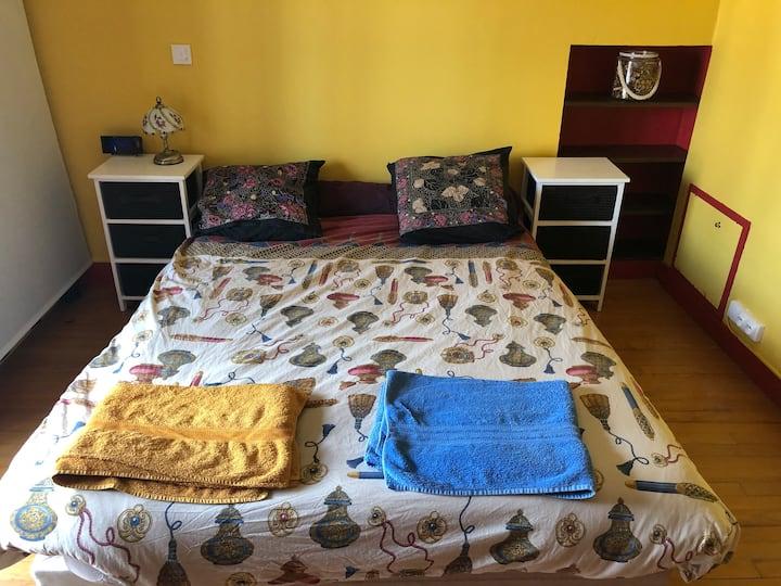 Chambre cosy avec accès cuisine et salon (2)