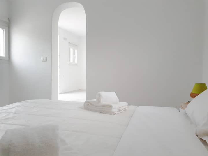 Excellent Cycladic Suite Santorini