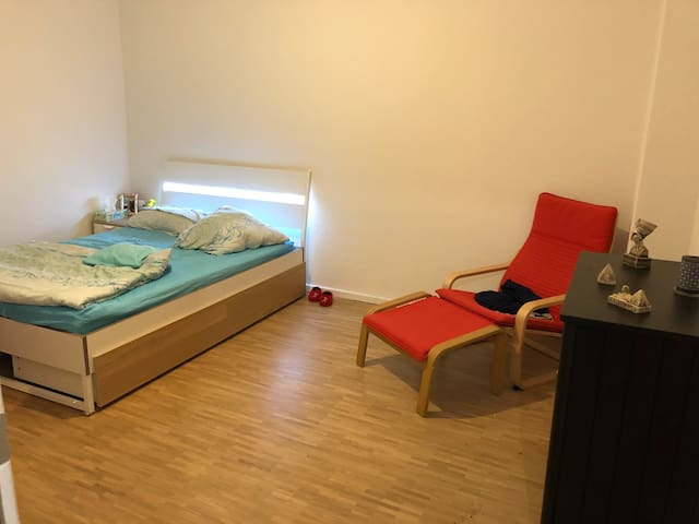 Big and Cozy room in Lichtenberg
