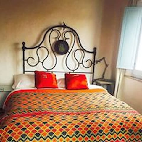 Large king or 2 twin beds