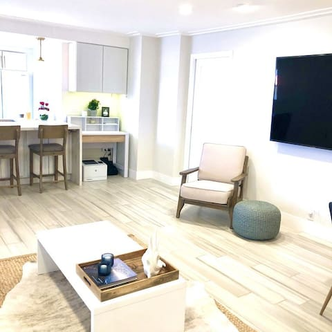 Modern Beach Condo in Heart of Manhattan Beach!