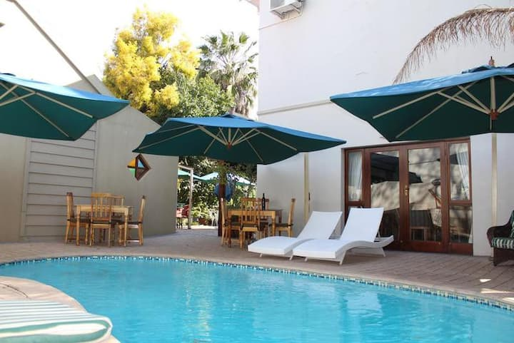 Quiet Double Luxury At Oudtshoorn