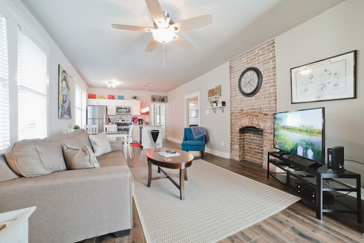 3BR 2BA Updated Cooper Young Home - Gated Parking