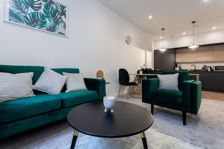 Stylish 1 Bedroom Apartment in Bolton