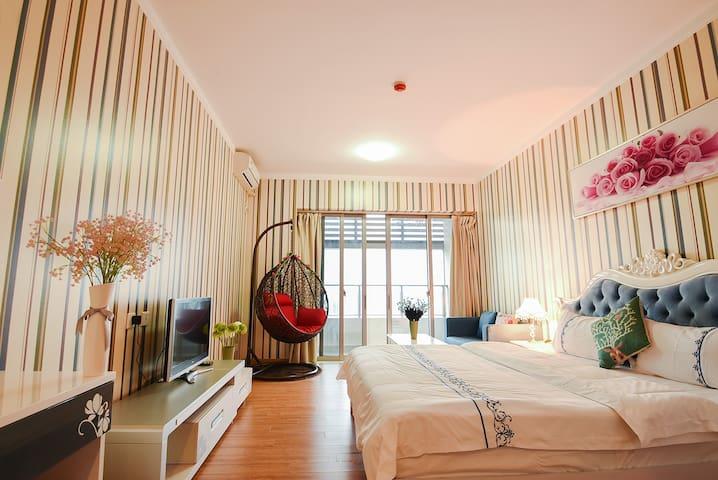 拱北格力香樟欧式1.8大床房 - Zhuhai