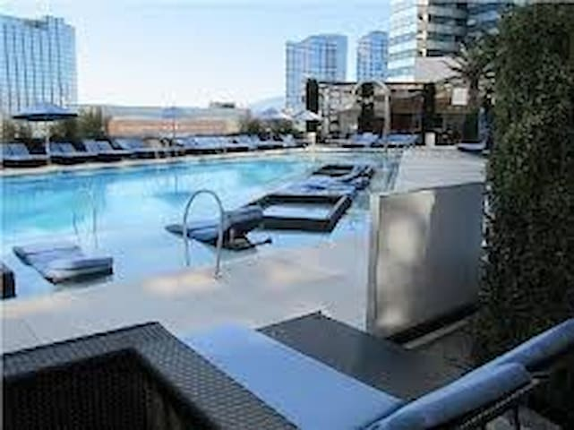 1BD Jockey Club Condo For EDC