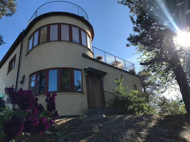 MUST SEE - Unique villa Stockholm