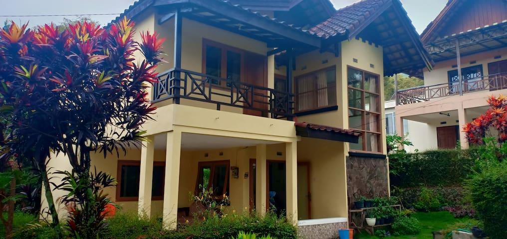 Villa Shiloh Grand Whiz Trawas