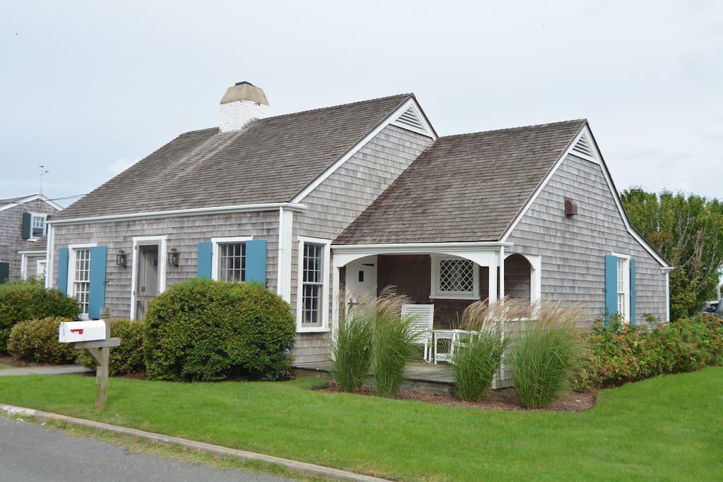 Quaint covered porch