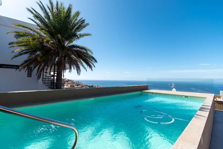 Villa Adele with private pool and amazing sea views