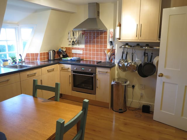 Pier Terrace, West Bay, 1 bedroom apartment - West Bay - Leilighet