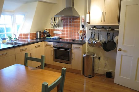 Pier Terrace, West Bay, 1 bedroom apartment - West Bay