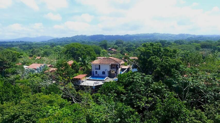Casa Ensueño, wildlife, close to beach, huge pool