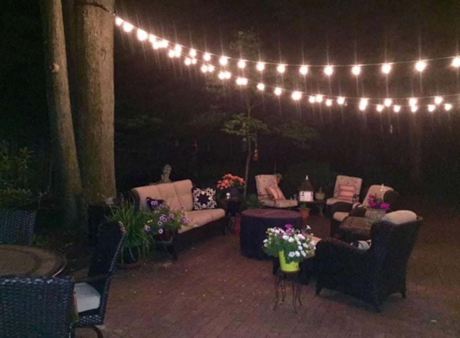 Back patio to enjoy in the daytime and evening~