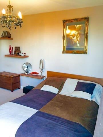 Bedroom with balcony, London SE1