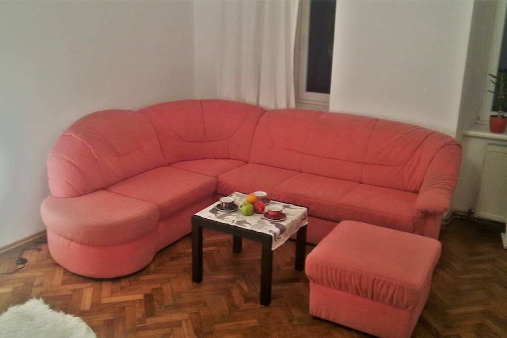 sofa - extendable to a bed for a third person
