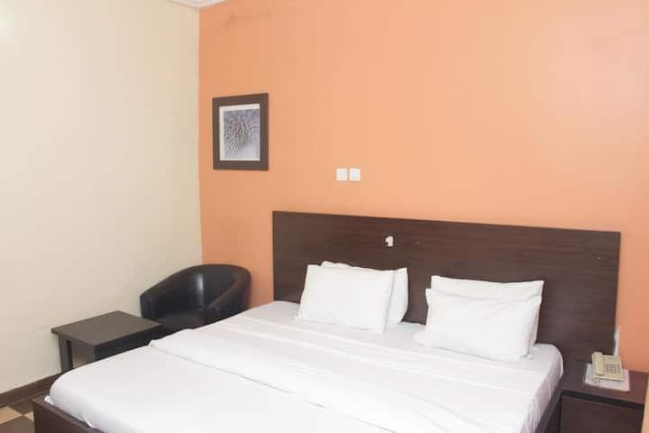 Purple Tulip Hotel - Tulip Apartments