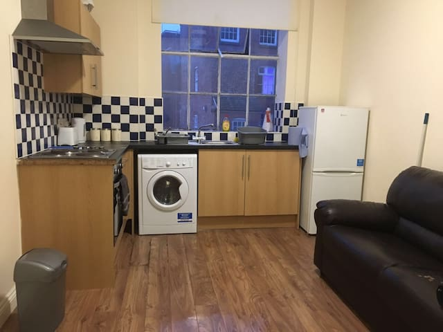 City centre two bed apartment