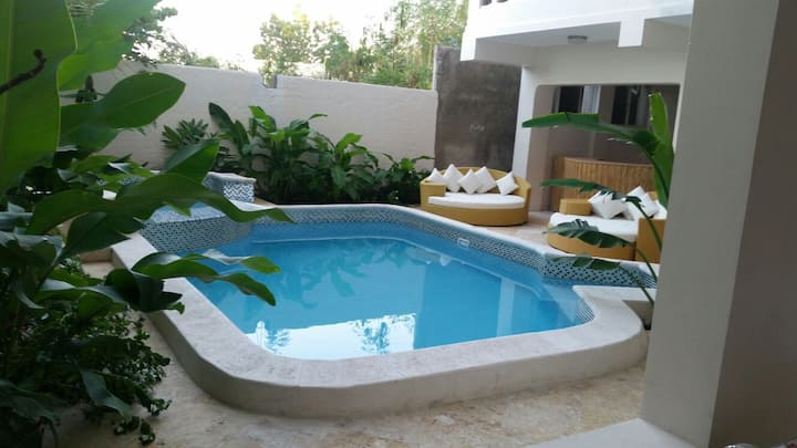 Modern Apartment with Jacuzzi in Delmas 75