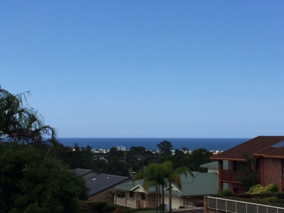 Ocean views from front deck and top balcony - beautiful sea breezes