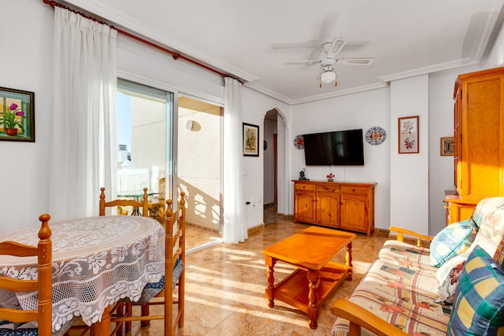 Apartment Ramon Gallud 204