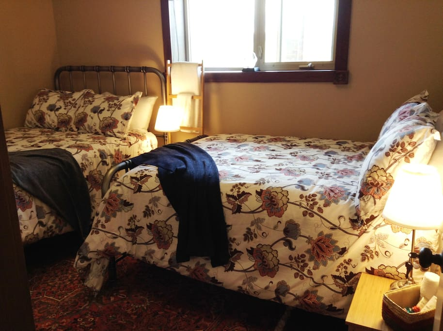 Wolf Pack Room - 2 Double Beds