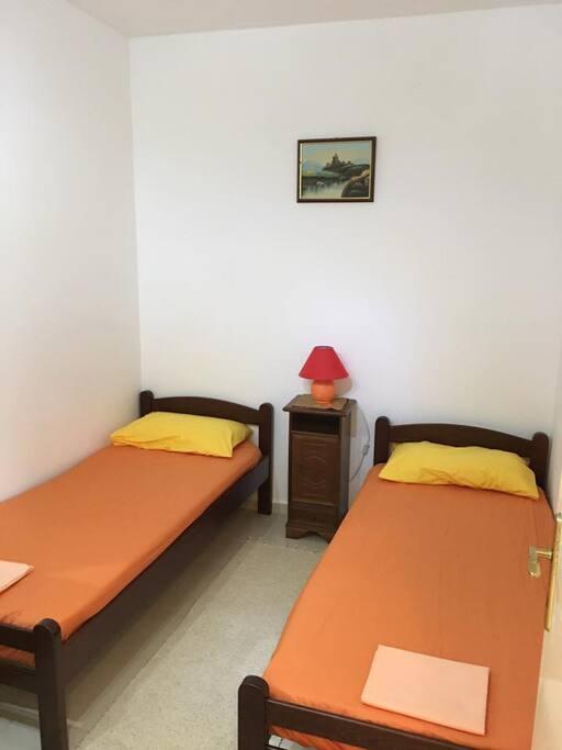 2-я спальня 2 односпальные кровати