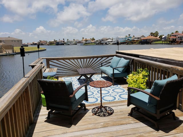 Waterfront 3 BR/3 Bath townhouse on main canal