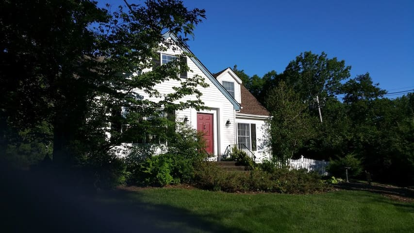 Charming Home in Basking Ridge, NJ - Bernards - Talo