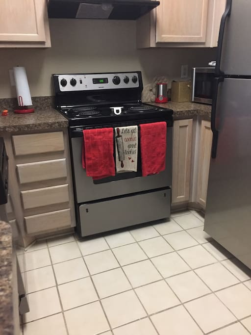 Kitchen-coffee pot, microwave, utensils/dishes available for use