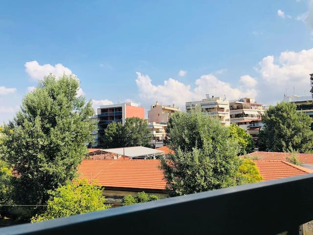 """Thessaloniki House """"Relax & Enjoy"""" for some days"""