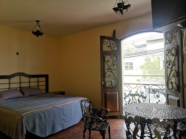 Habitación en hotel a 2 cuadras de Santo Domingo