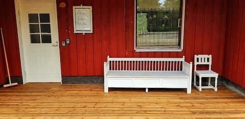 Koko asunto lähellä järveä + Sauna: Sevetin Rautu.
