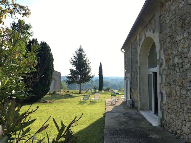 Jardin, vue plein Est vers la Dordogne, Grande baie Séjour