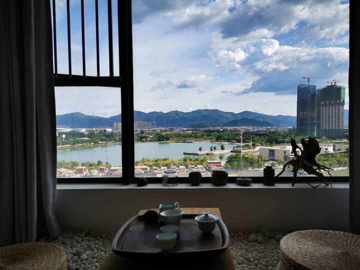 设计师Home,私享湖景两房,小米投影仪,大落地窗,万达(长租价格有惊喜)