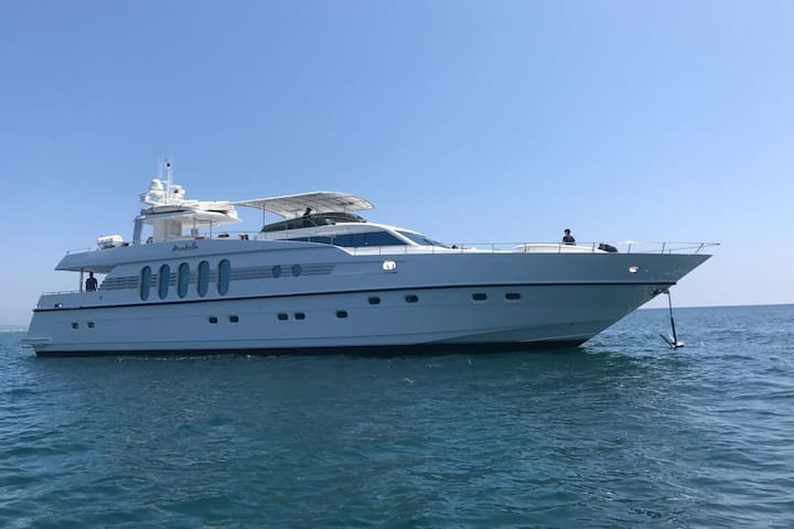 Marbella Yacht 105' special promo price