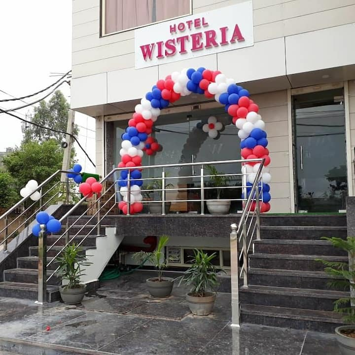 Hotel Wisteria Zirakpur