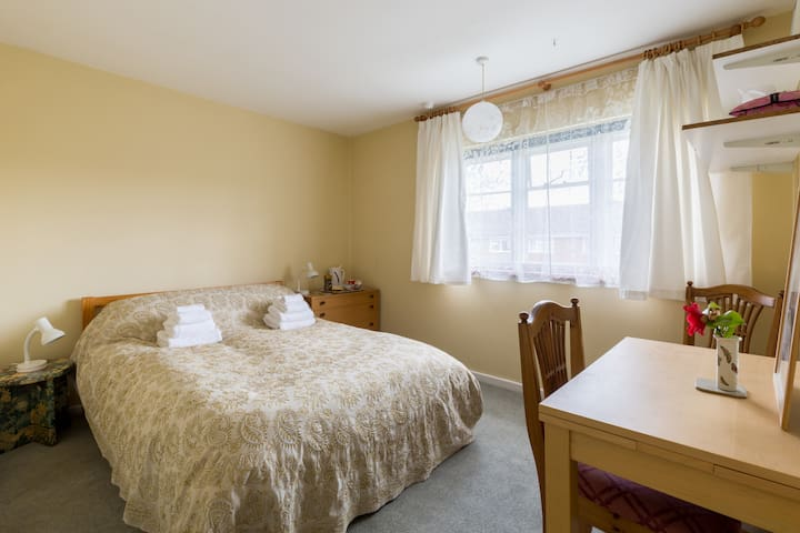 PRETTY ROOM, GREAT FOR WALKERS! - Ross-on-Wye - Huis