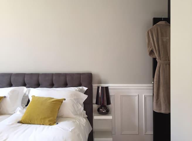 Private Suite in Paris